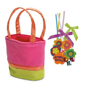 Groovy Girls Design Your Own Flowerful Frills Handbag Set