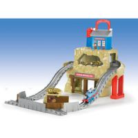 Thomas & Friends Take-n-Play Portable Railway Rumbling Gold Mine Run
