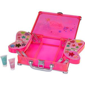 Winx Club Glam Makeup Case and Sparkling Nails